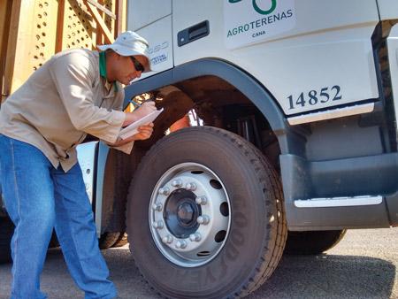 revisões de caminhões